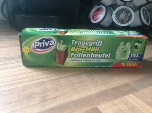 These are special bio bags you can buy at a German supermarket. Brown paper bags also work well